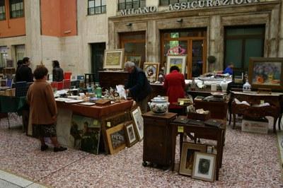 mercato cos'antiche